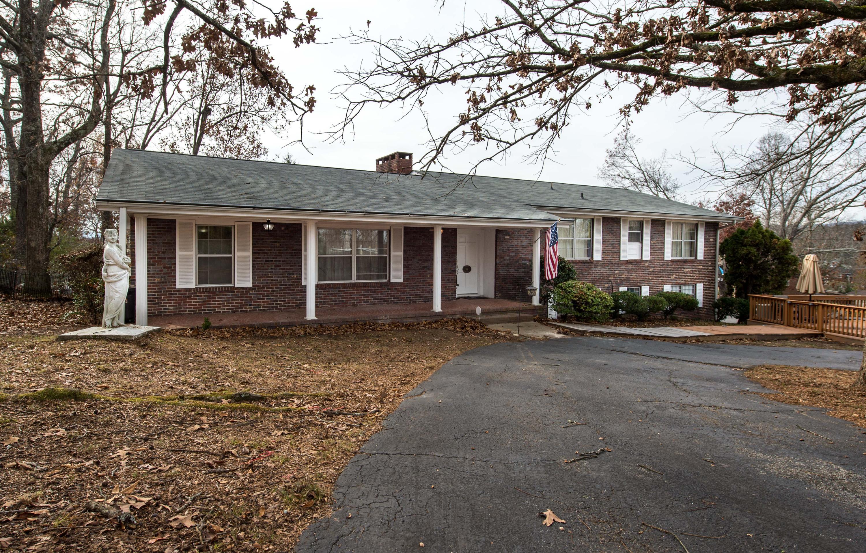46 Kriswood Dr, Rossville, GA 30741