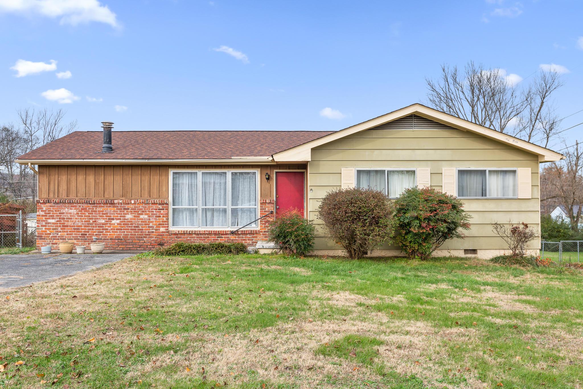 167 E Huntington Rd, Rossville, GA 30741