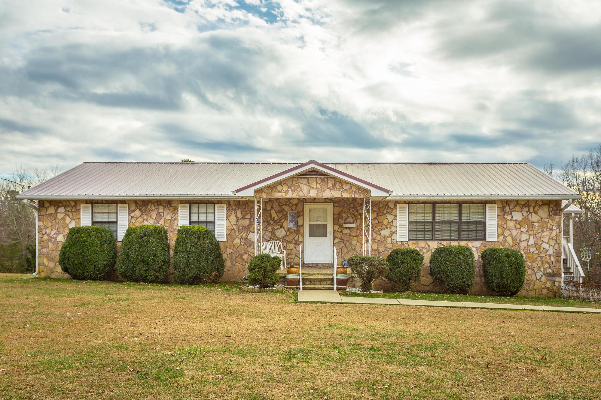 948 Vineyard Point Rd, Sequatchie, TN 37374