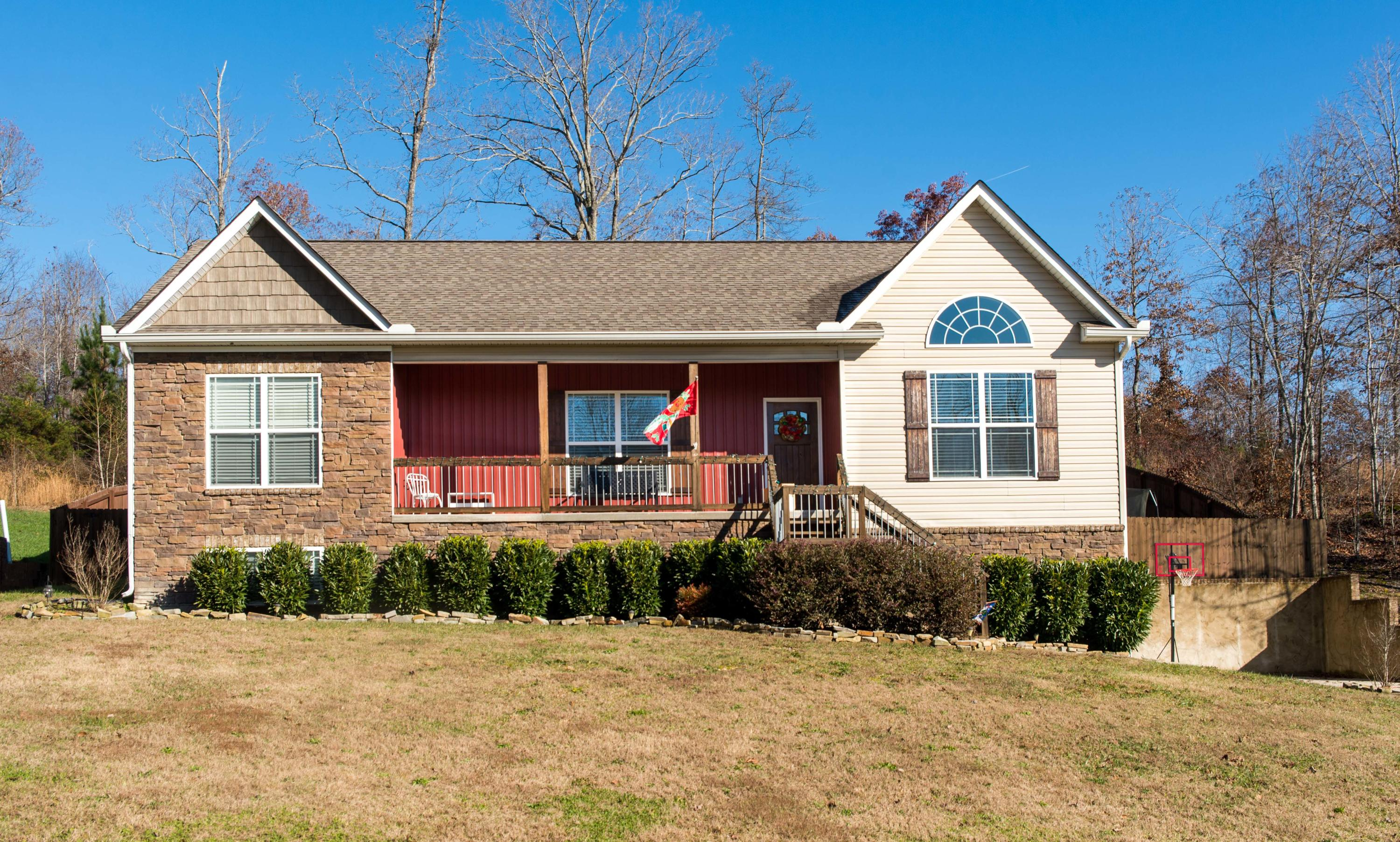 338 Harvest Ct, Soddy Daisy, TN 37379