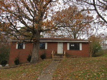 151 Brentwood Dr, Rossville, GA 30741