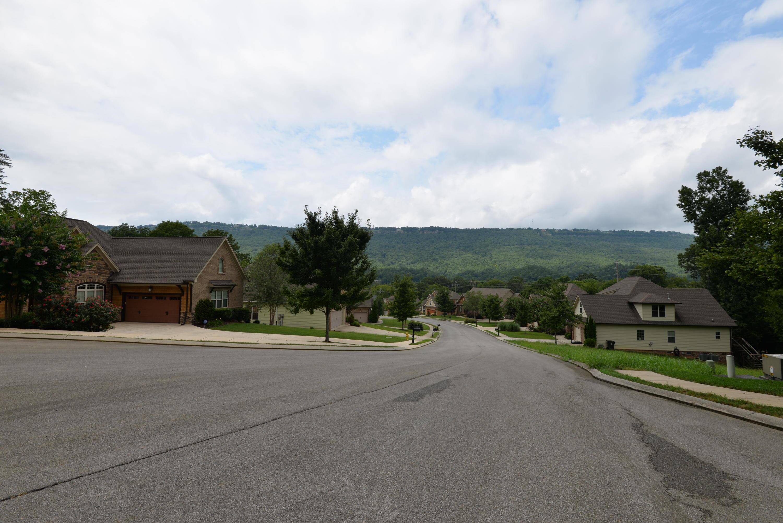 1099 Lynnstone Dr, Chattanooga, TN 37405