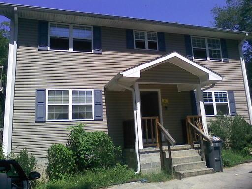 402 Hall St A, Lafayette, GA 30728
