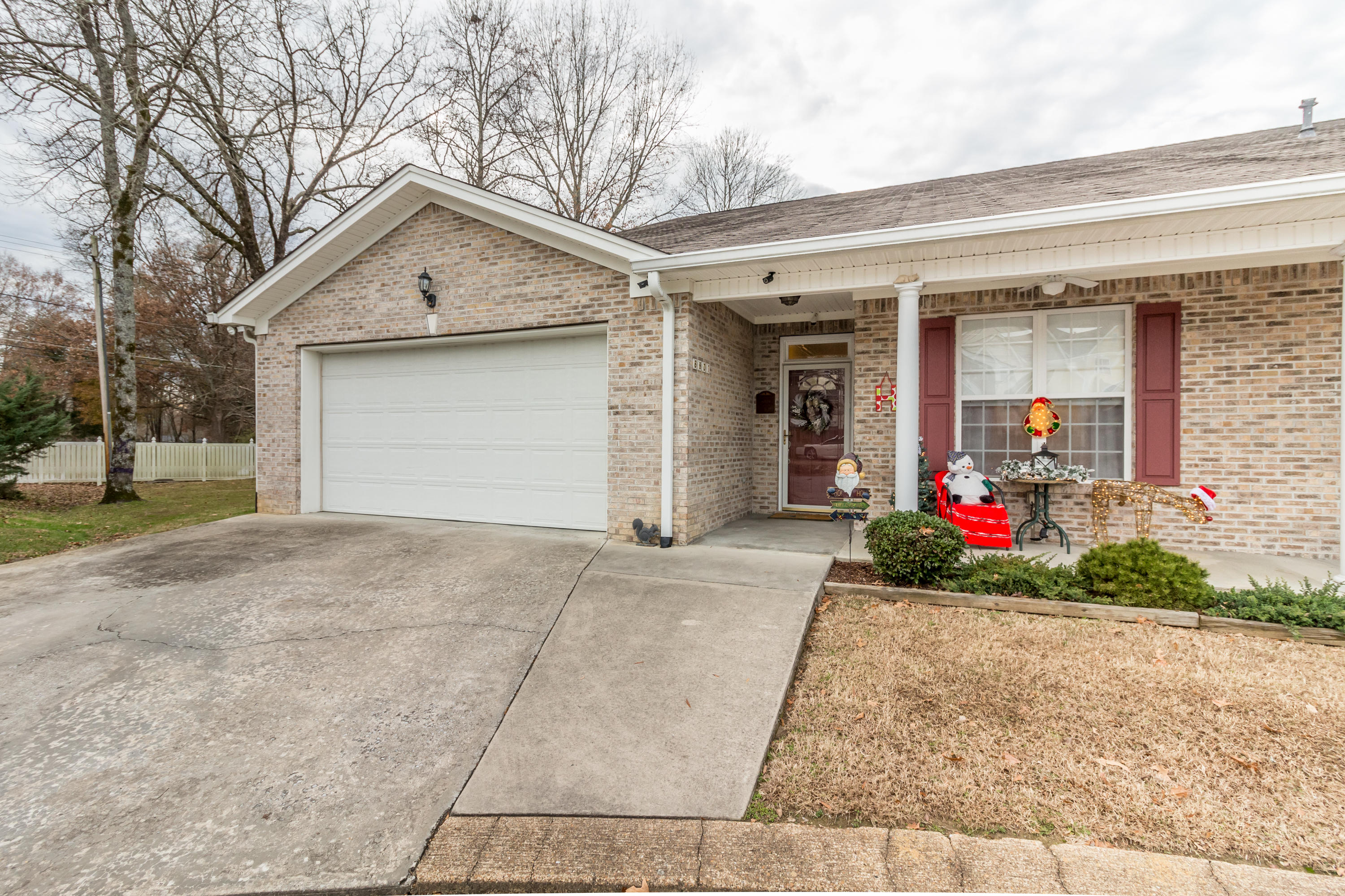 6801 French Quarter Ct, Hixson, TN 37343