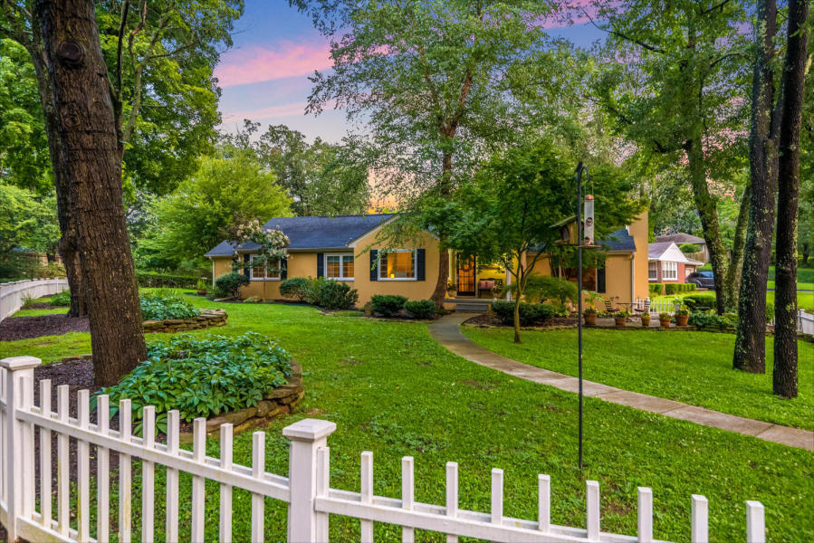 1713 Ashton St, Chattanooga, TN 37405