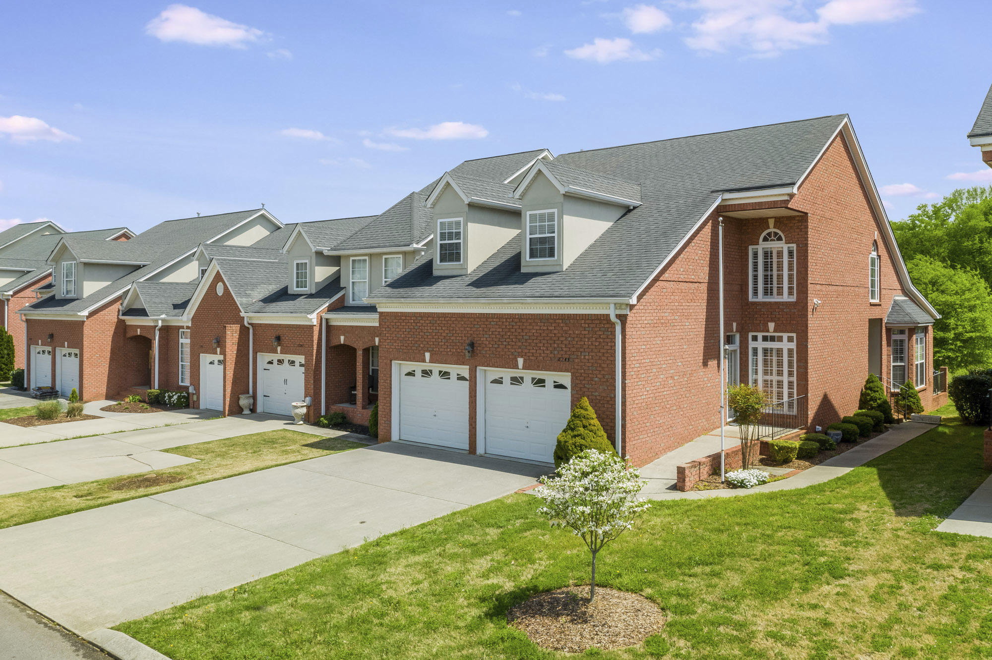 8245 Double Eagle Ct, Ooltewah, TN 37363