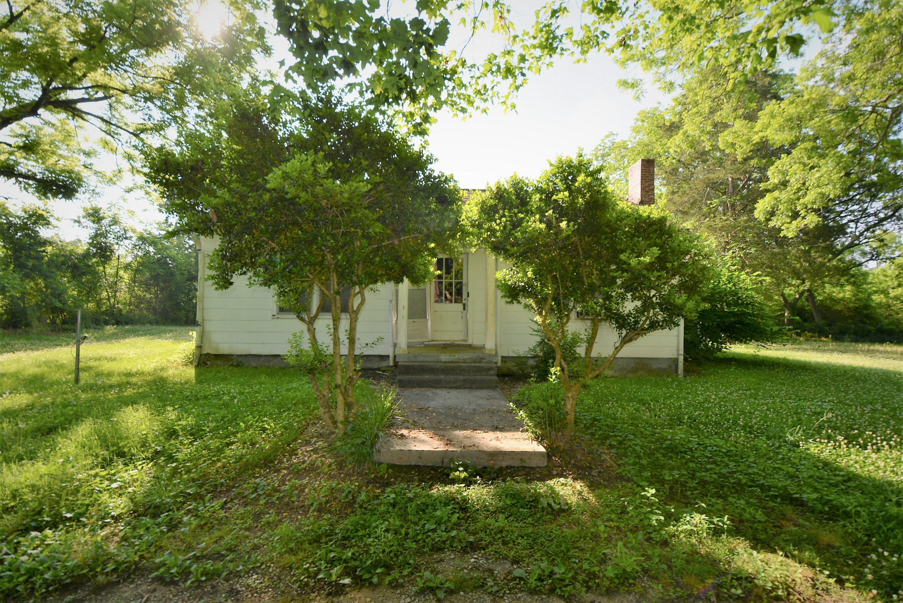 131 Lindon St, Benton, TN 37307