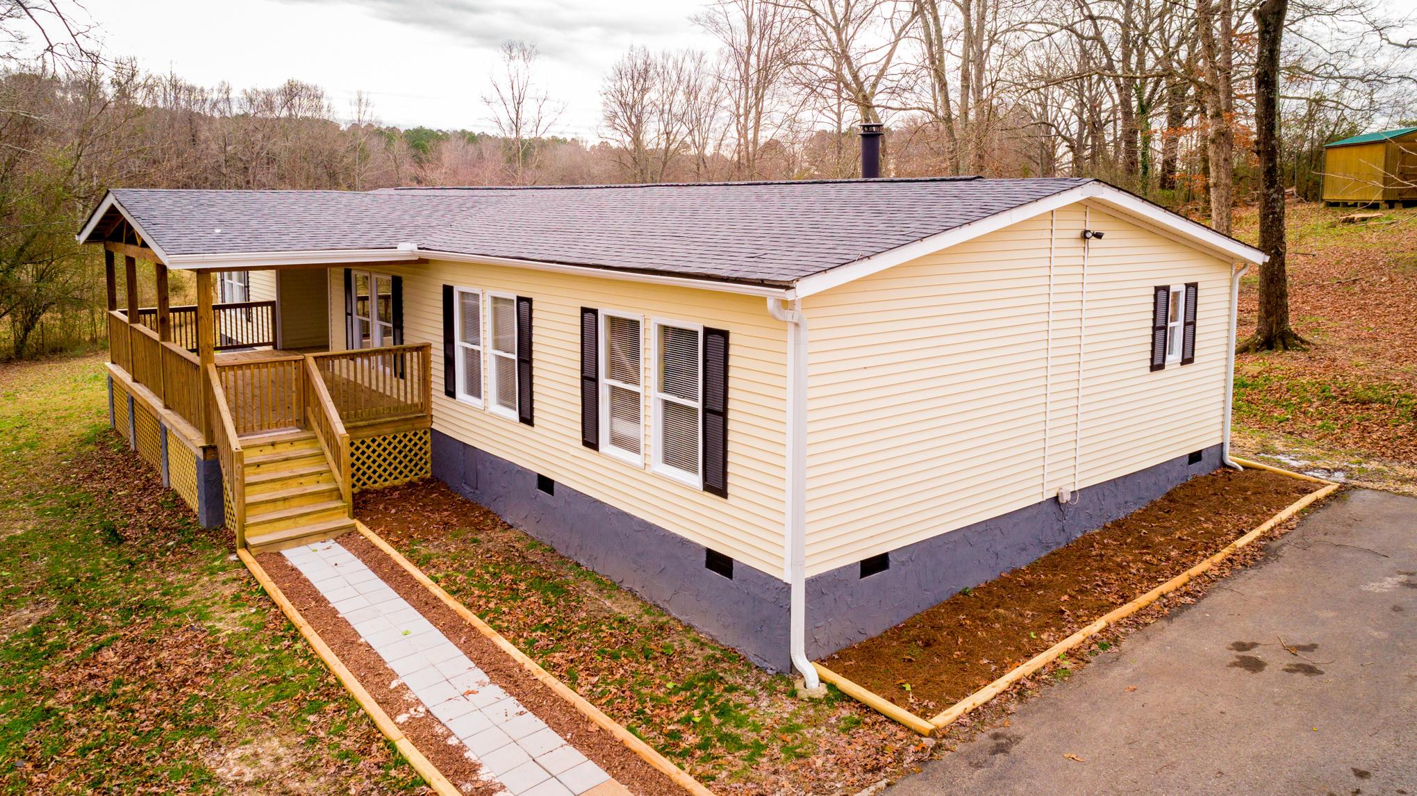520 Wood Station Rd, Rock Spring, GA 30739