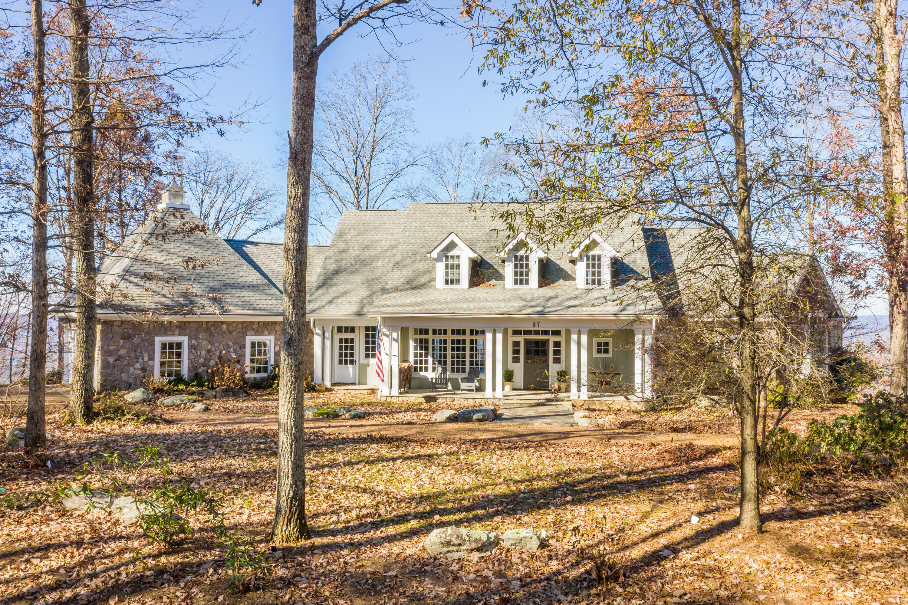 87 Brow Lake Rd, Lookout Mountain, GA 30750