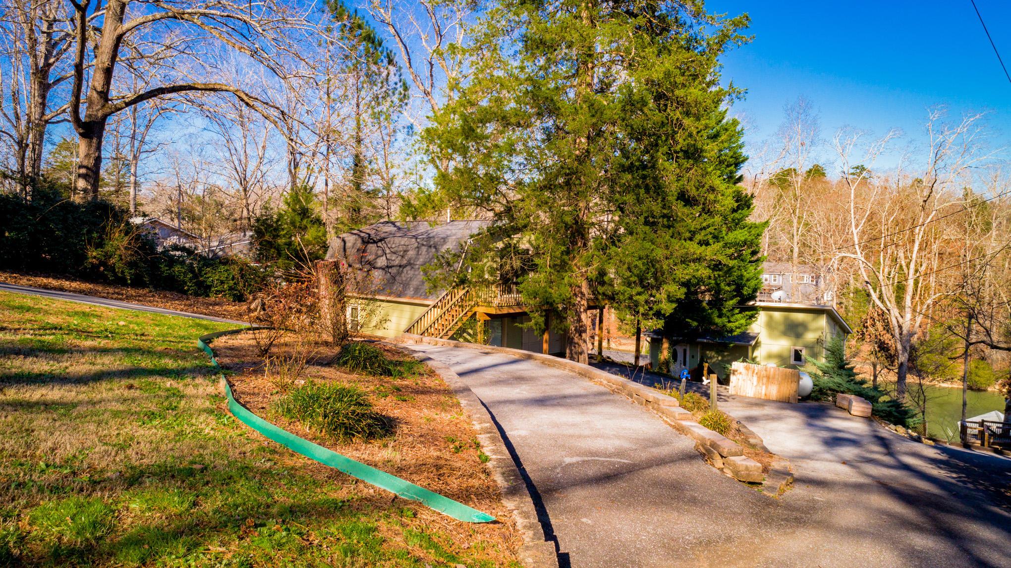 7425 Savannah Dr, Ooltewah, TN 37363