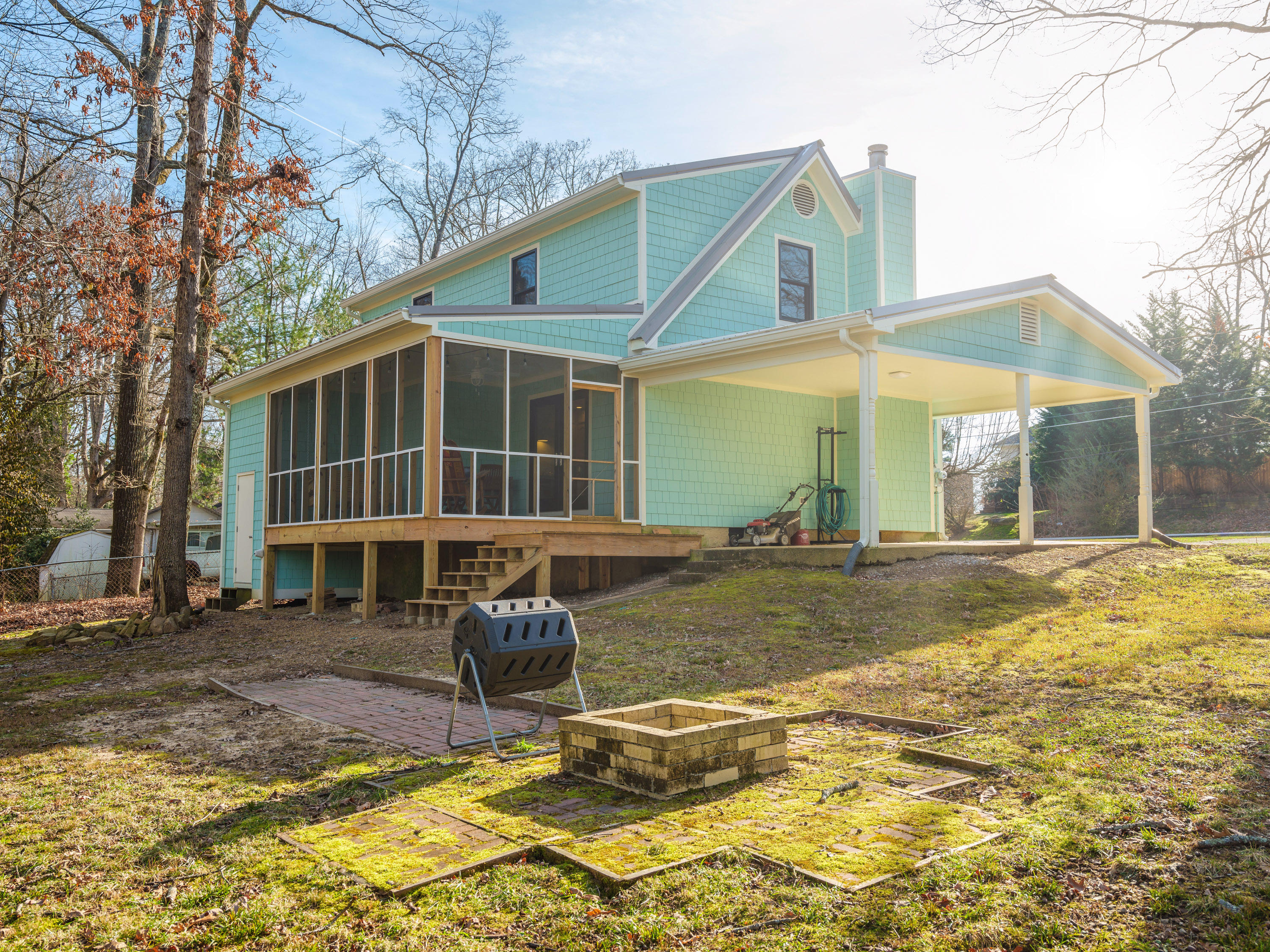721 Texas Ave, Signal Mountain, TN 37377