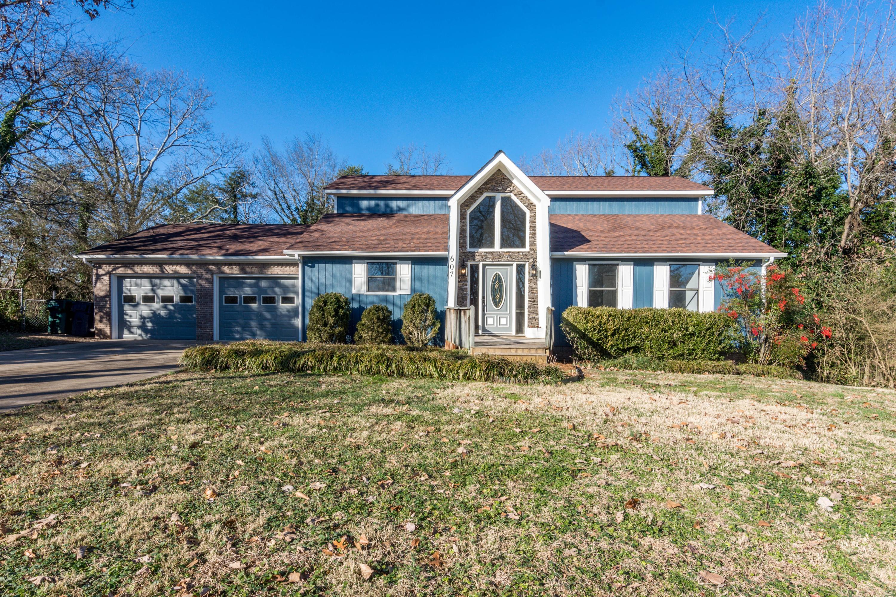 607 Timber Ridge Dr, Hixson, TN 37343
