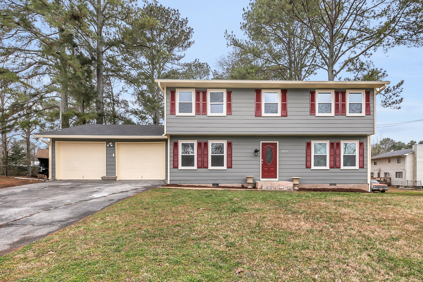 6204 Celtic Dr, Chattanooga, TN 37416