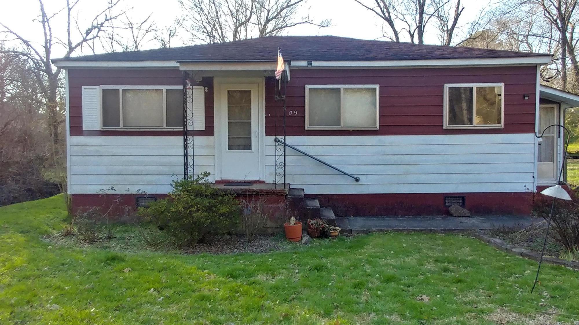 309 Jenkins Rd, Rossville, GA 30741