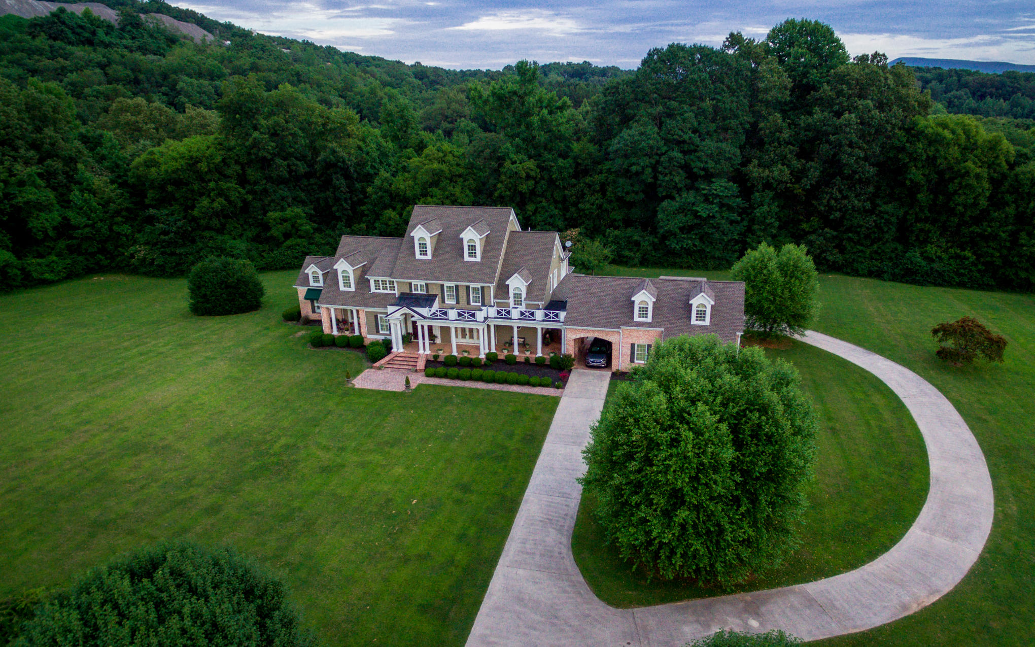 1400 Valley View Hwy, Jasper, TN 37347