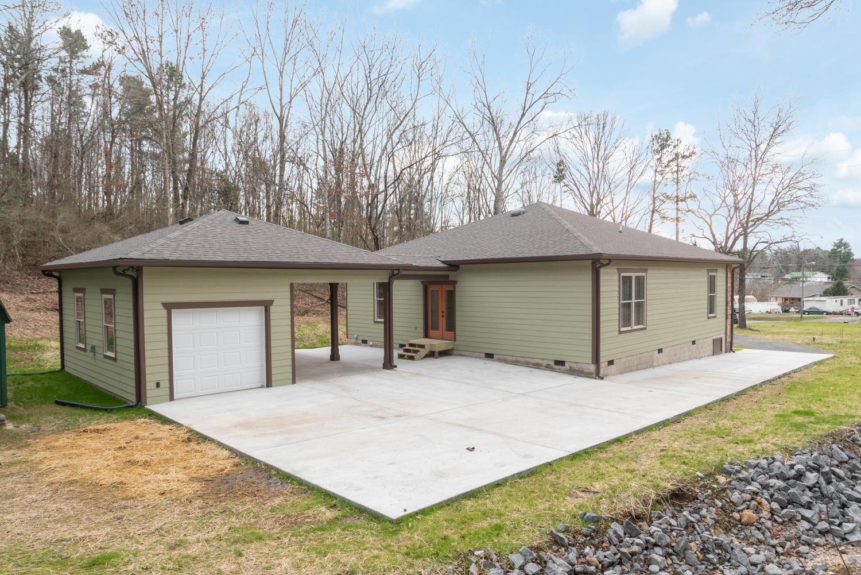 8944 Dallas Hollow Rd, Soddy Daisy, TN 37379