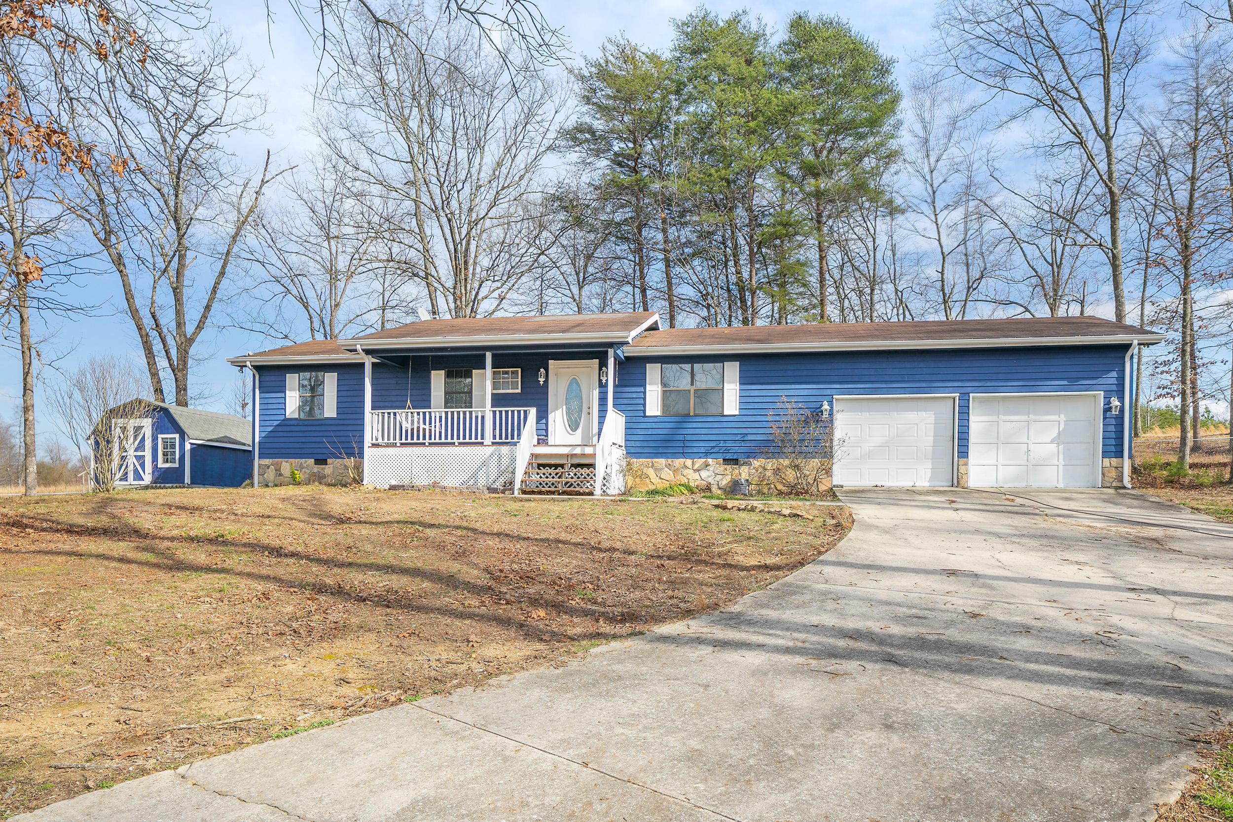 167 Springlake Dr, Trenton, GA 30752