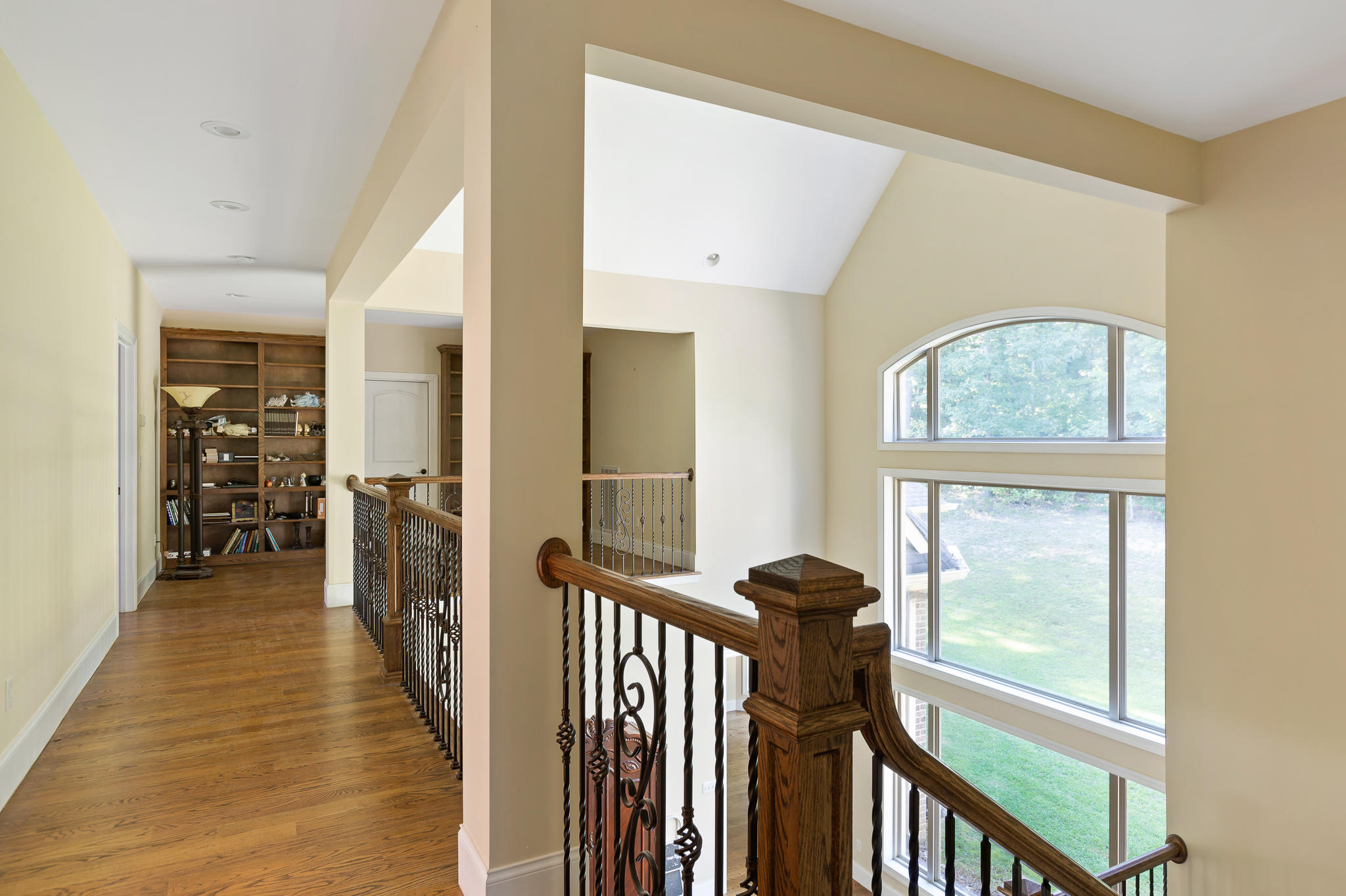 7441 Falcon Bluff Dr, Signal Mountain, TN 37377