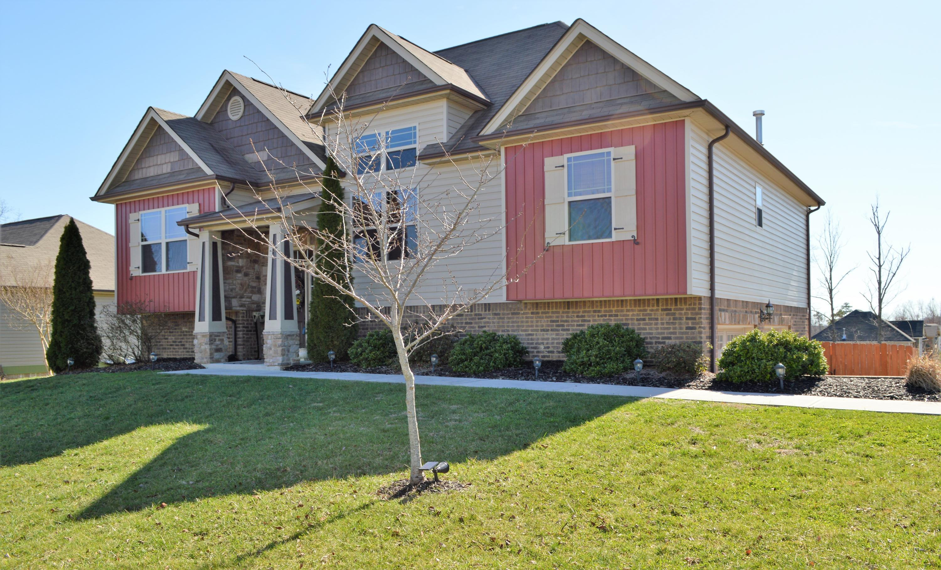 597 Sir Carlos Dr, Soddy Daisy, TN 37379