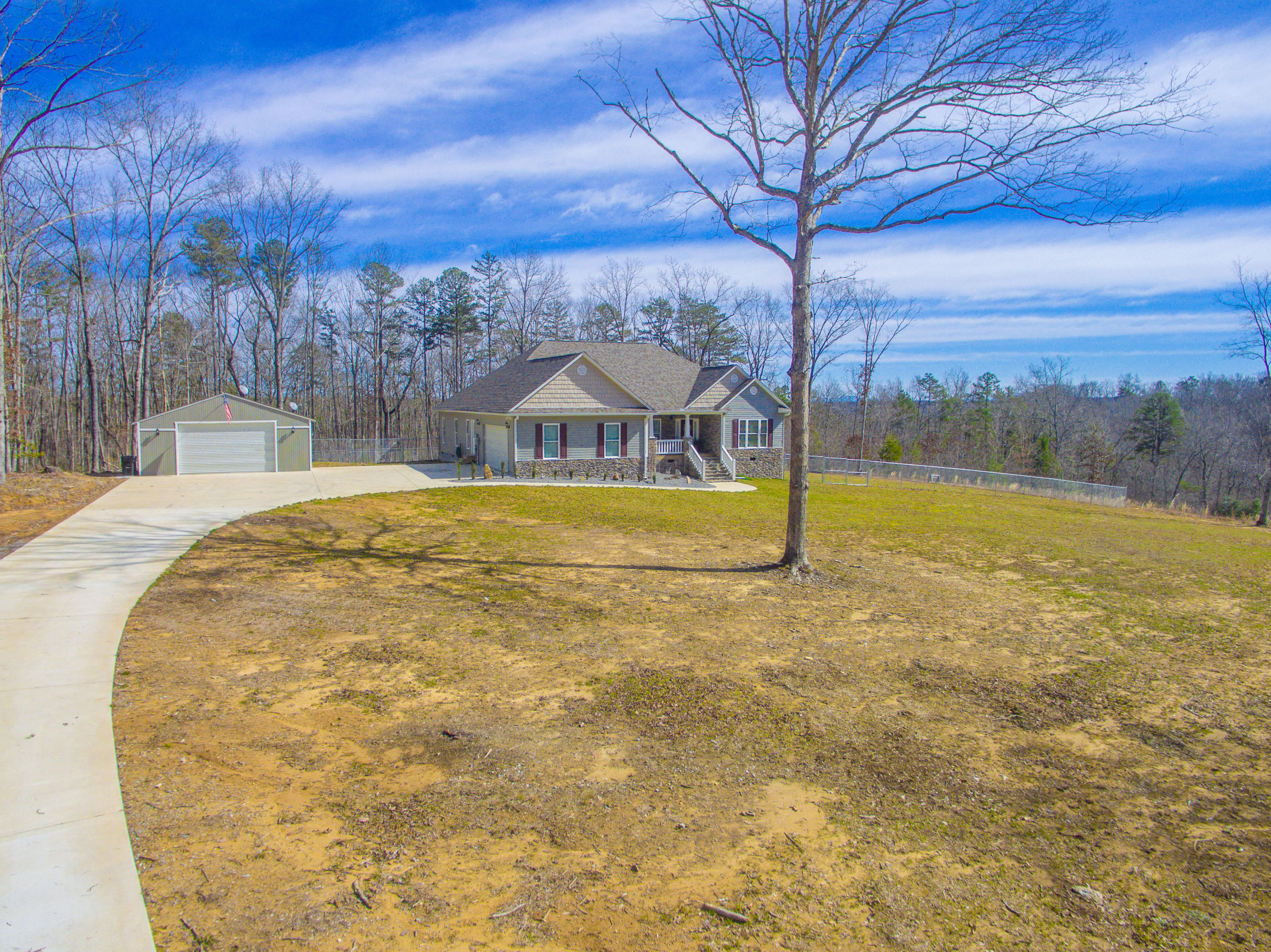 1647 Crowe Cir, Soddy Daisy, TN 37379
