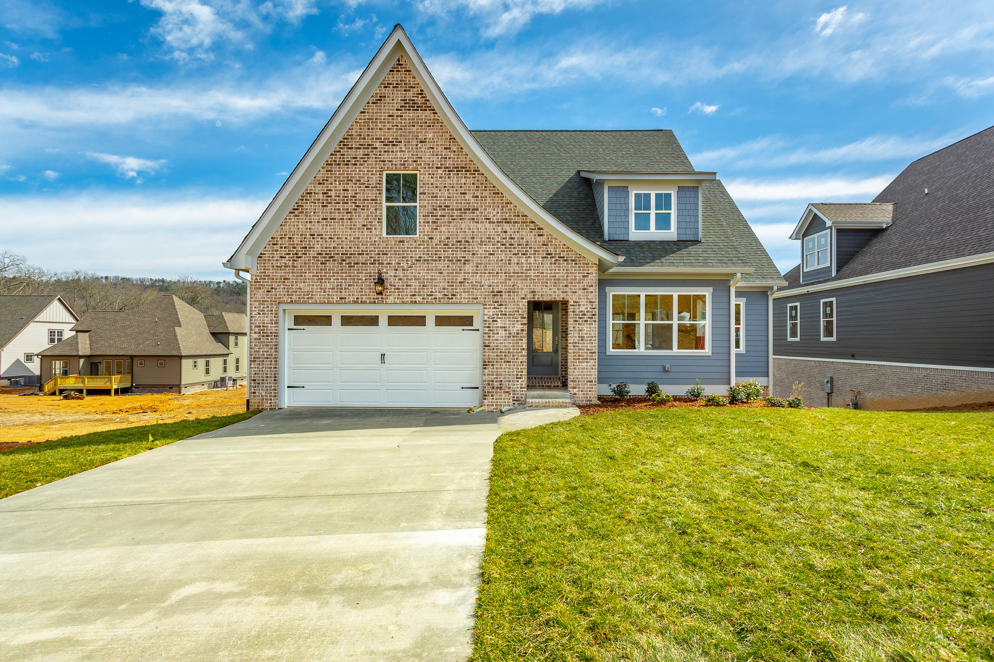 2389 Weeping Willow Dr, Ooltewah, TN 37363