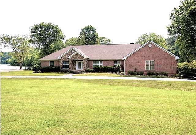 9038 Edgewater Rd, Chattanooga, TN 37416