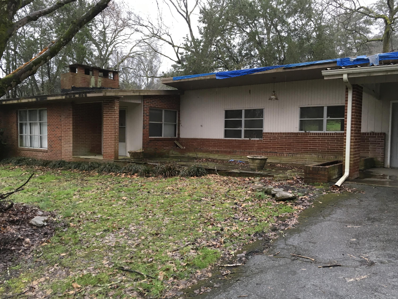 824 Roberts Mill Rd, Hixson, TN 37343