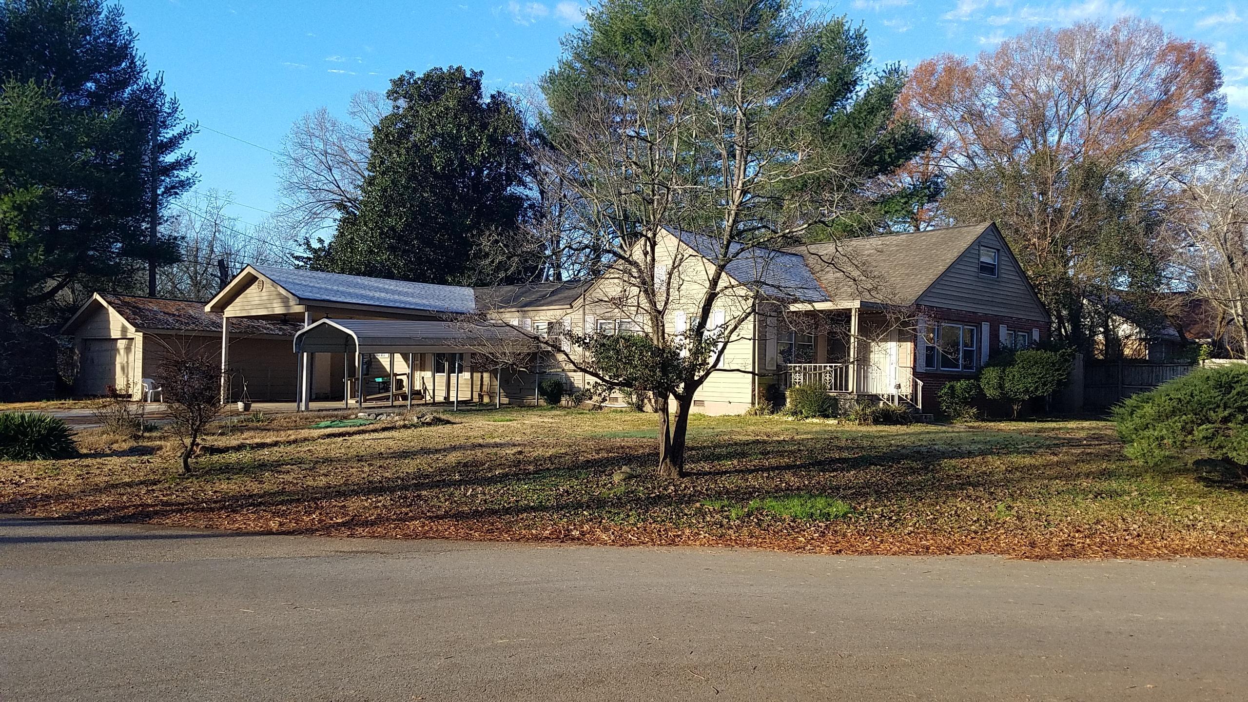 301 Chickasaw Rd, Chattanooga, TN 37411