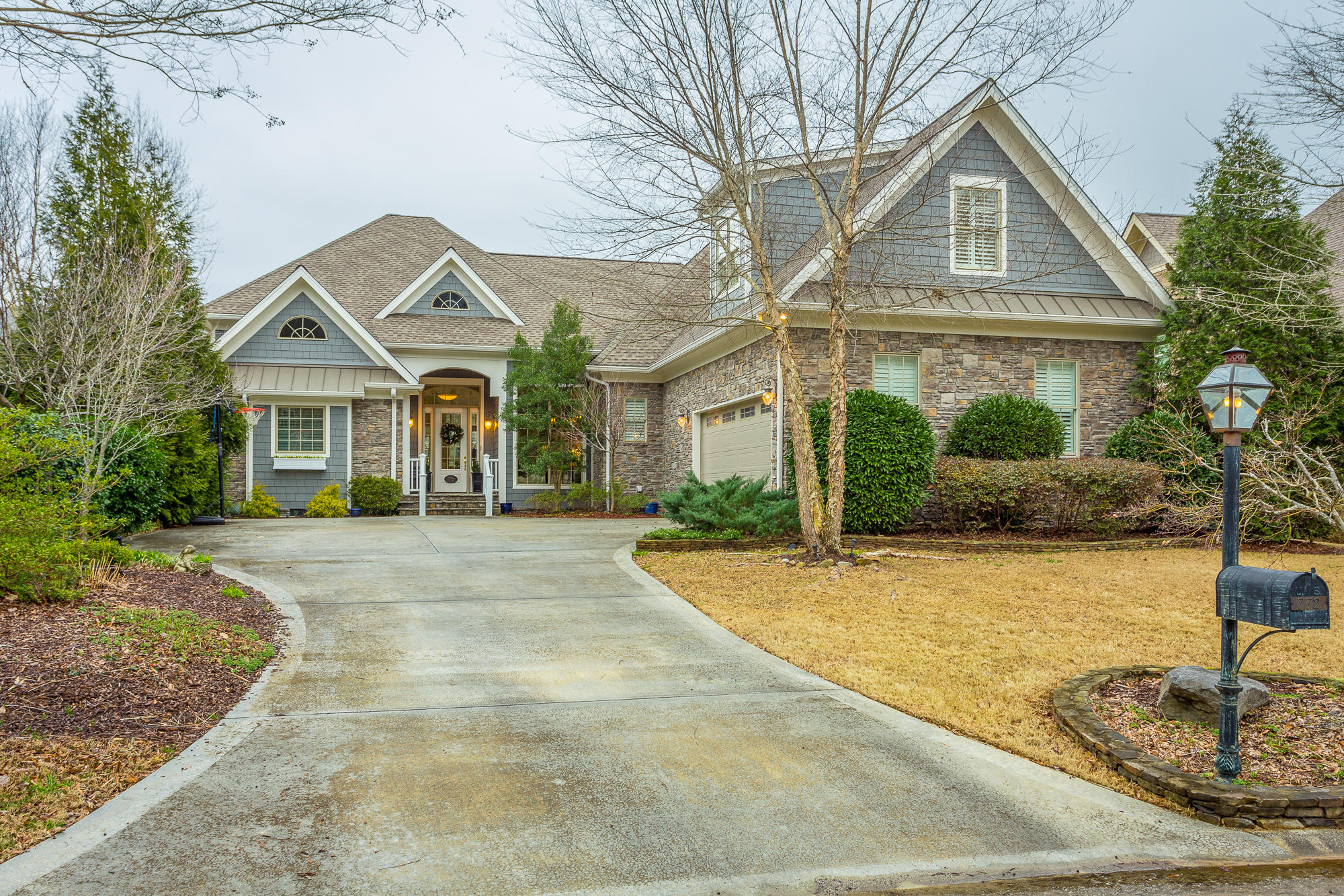 772 Black Creek Dr, Chattanooga, TN 37419