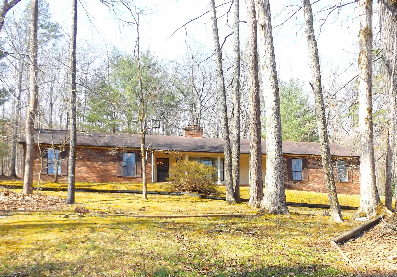 439 Lake Hills Dr, Trenton, GA 30752