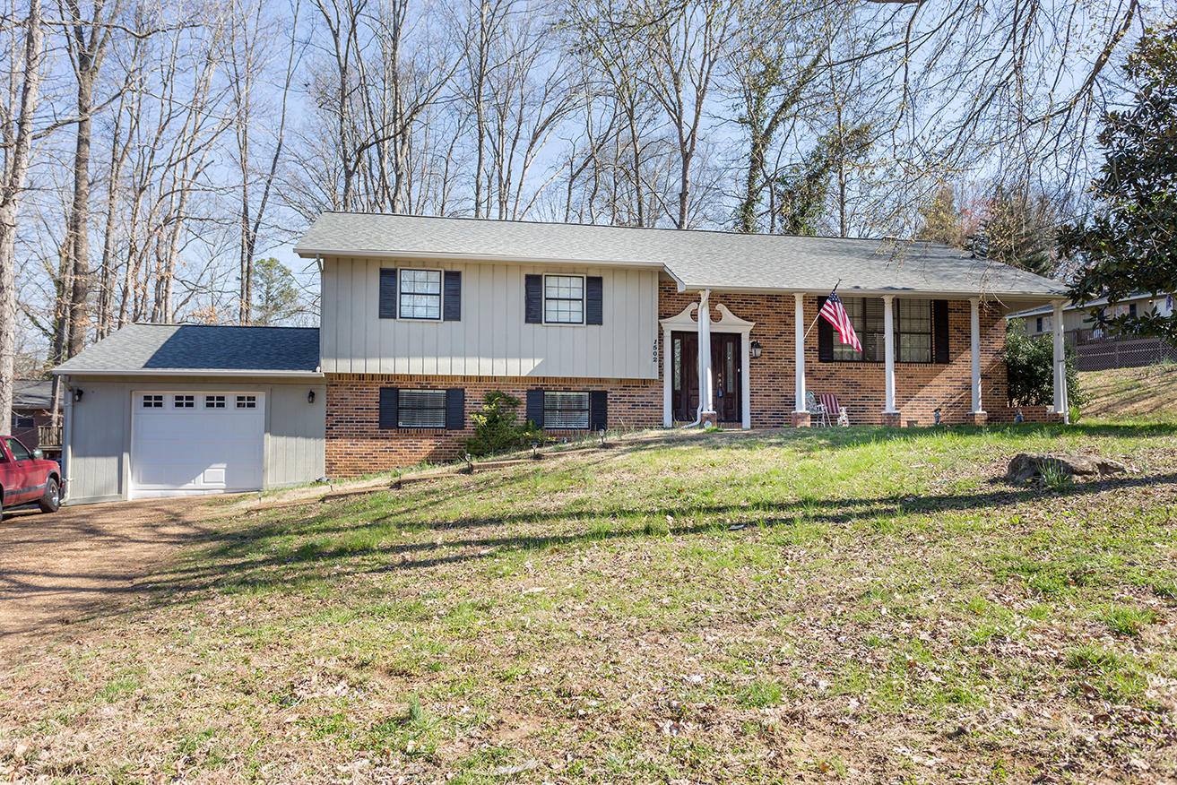 1502 Nw 18th St, Cleveland, TN 37311