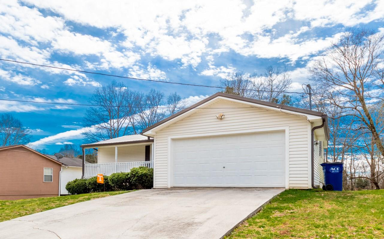 210 Crystal Springs Rd, Cleveland, TN 37323