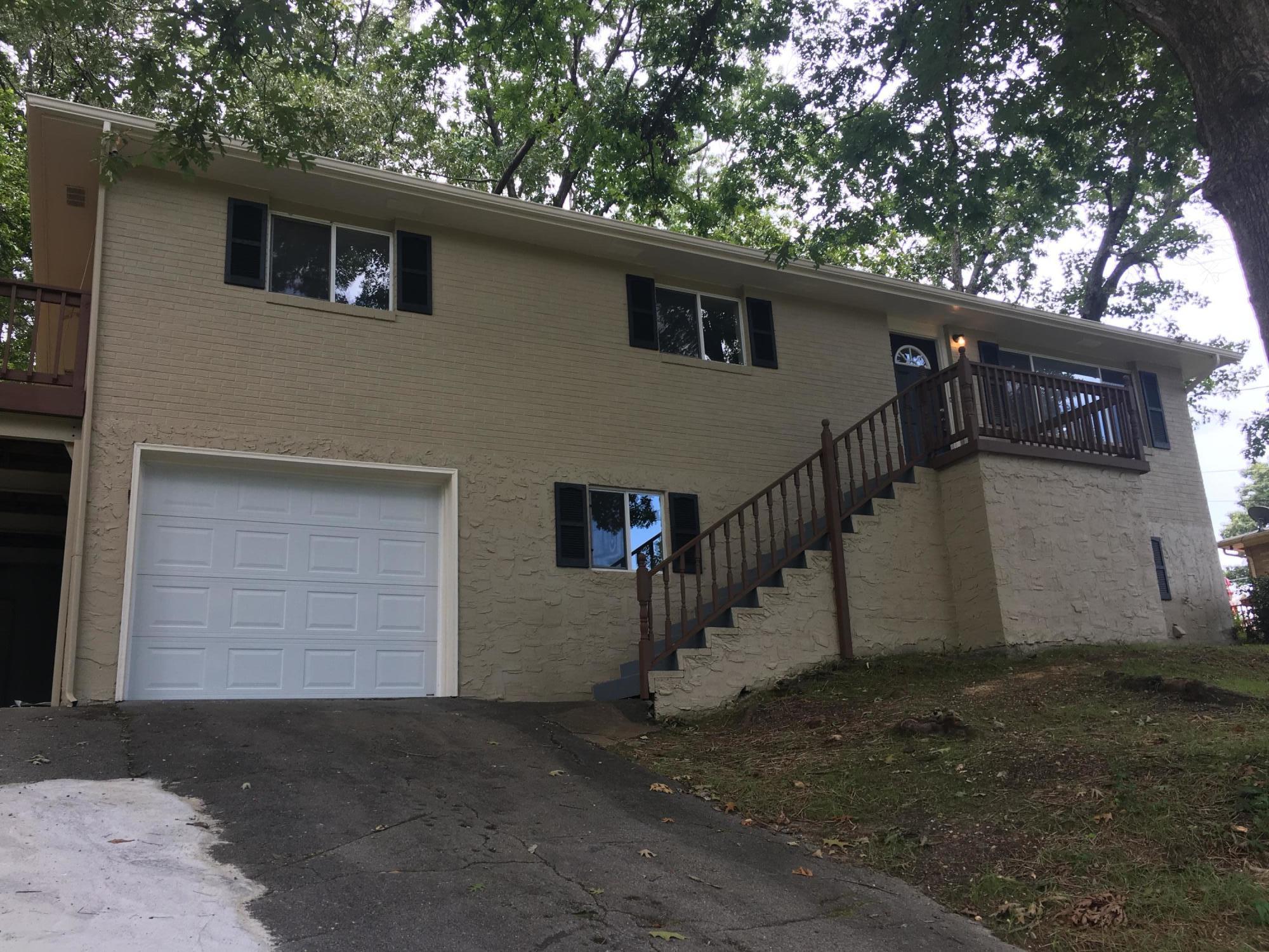 28 Travis Rd, Rossville, GA 30741