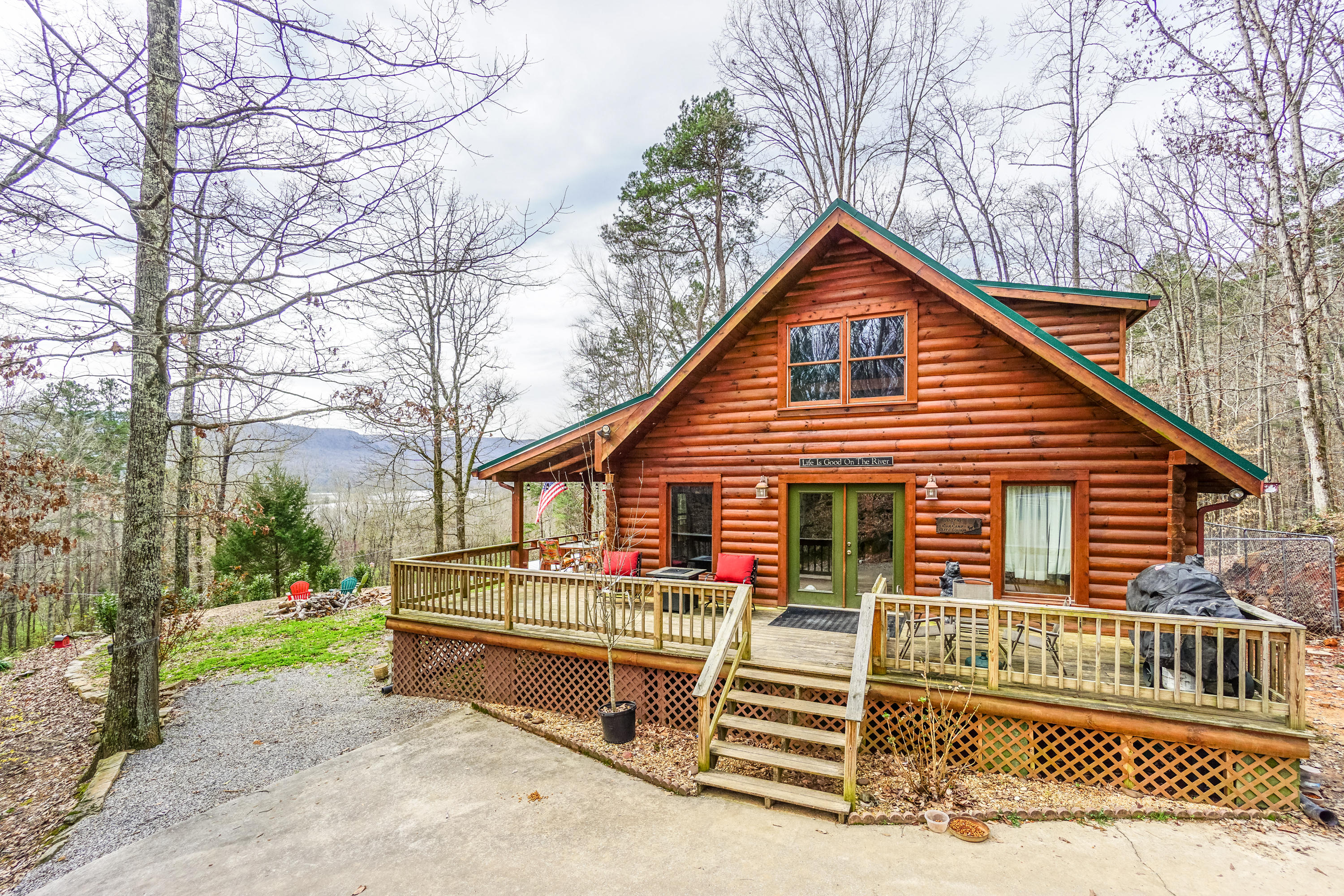 13345 Mullins Cove Rd, Whitwell, TN 37397
