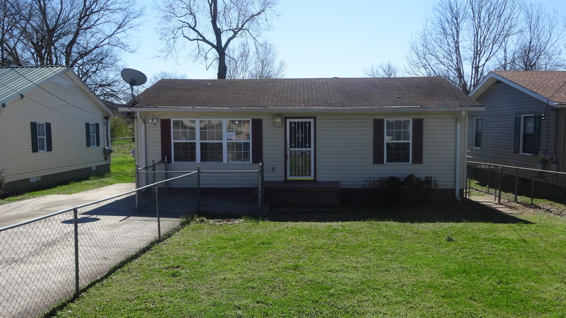 114 Spruce St, Rossville, GA 30741