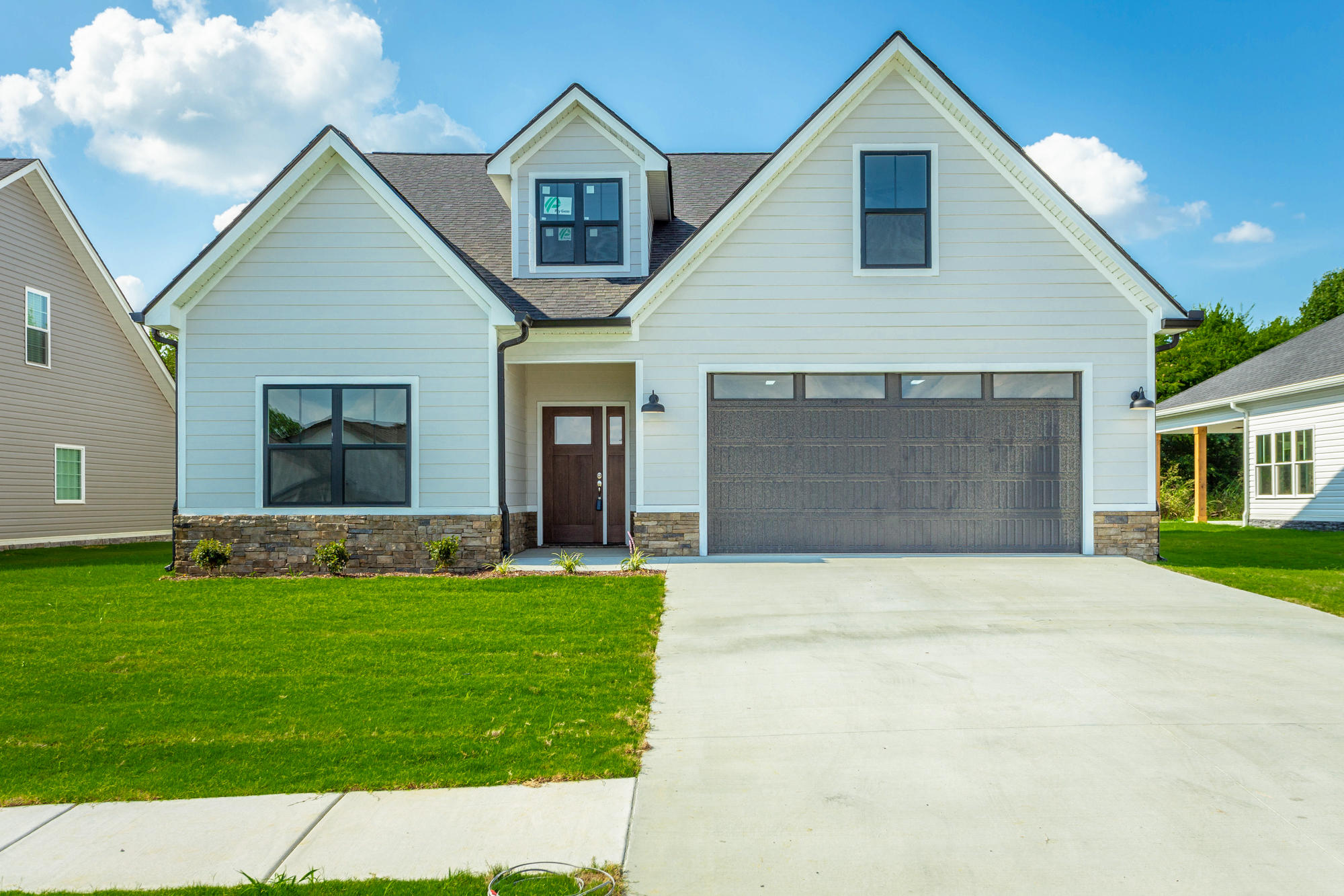 73 Browning Dr, Rossville, GA 30741