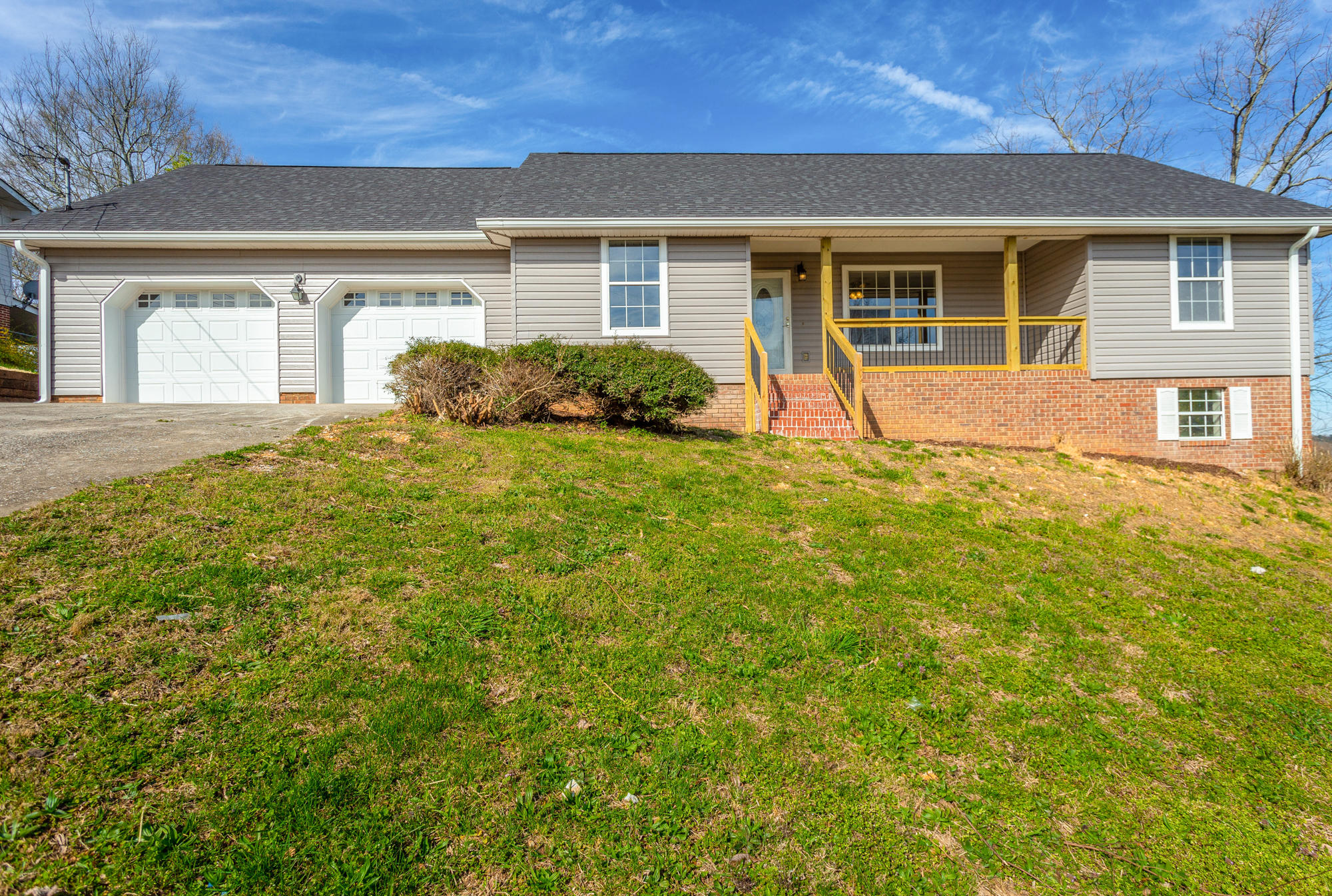 1513 E Crane St, Rossville, GA 30741