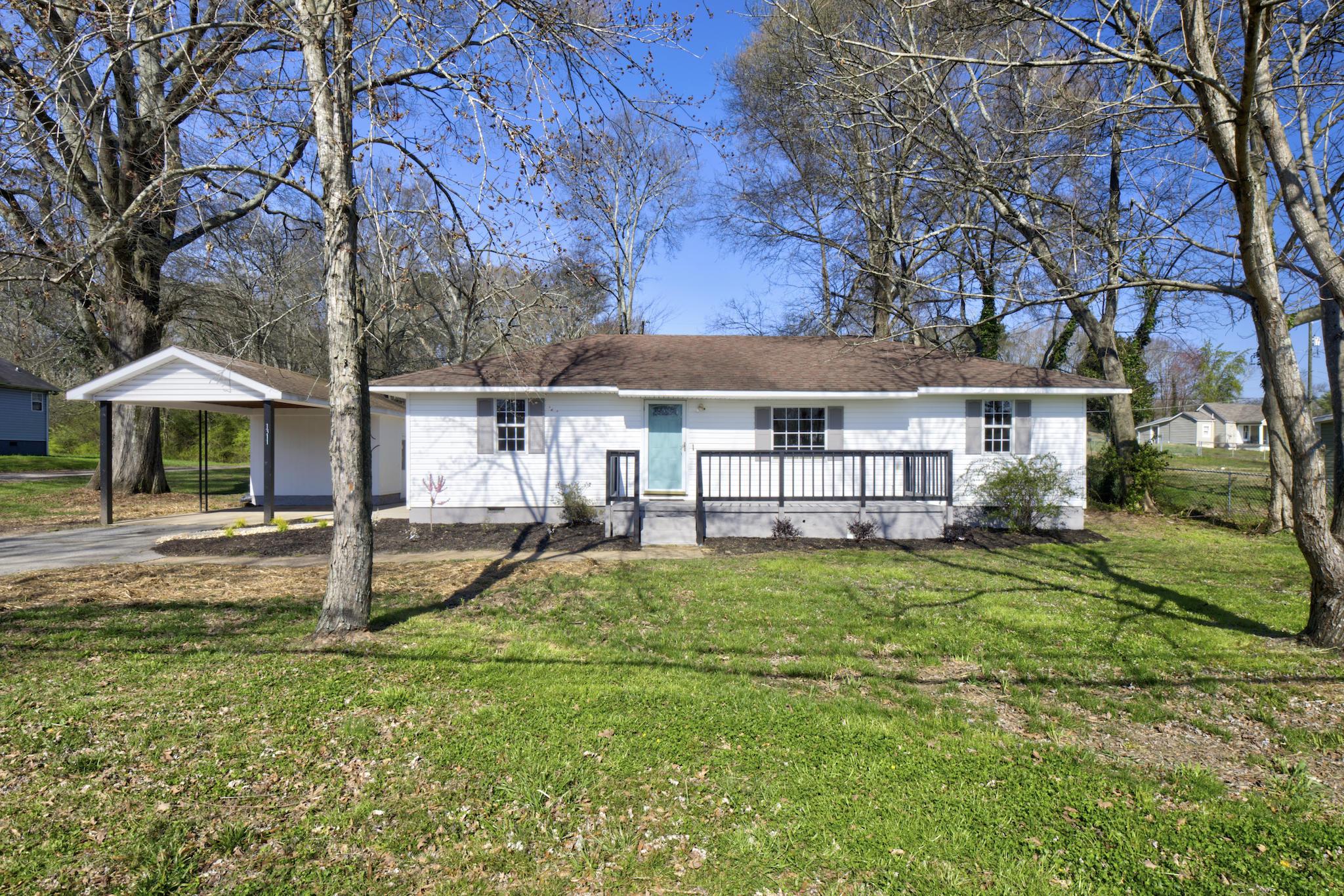 1311 Greens Lake Rd, Chattanooga, TN 37412