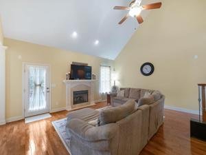 7828 Tranquility Dr, Ooltewah, TN 37363