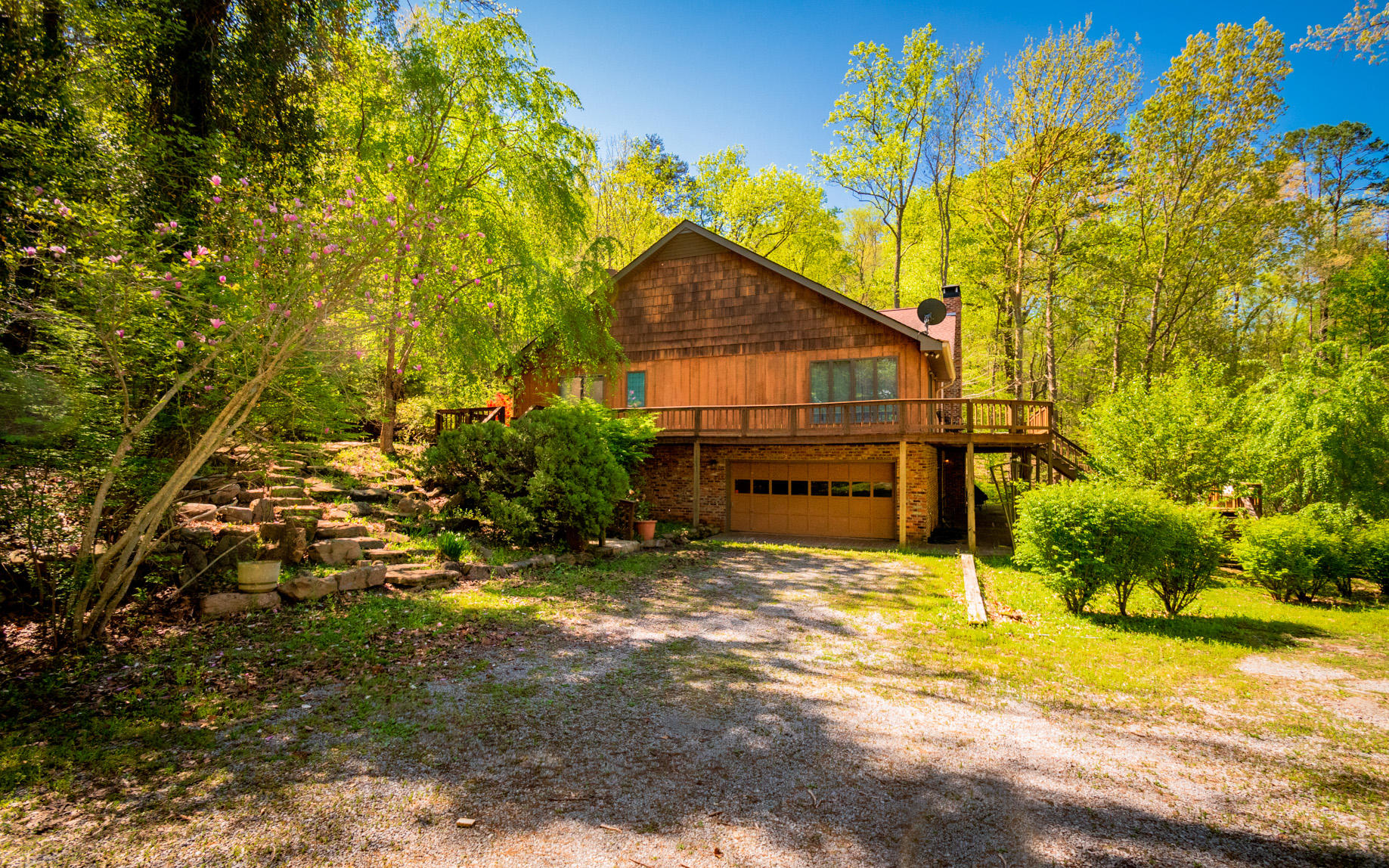 6050 Mullins Cove Rd, Whitwell, TN 37397