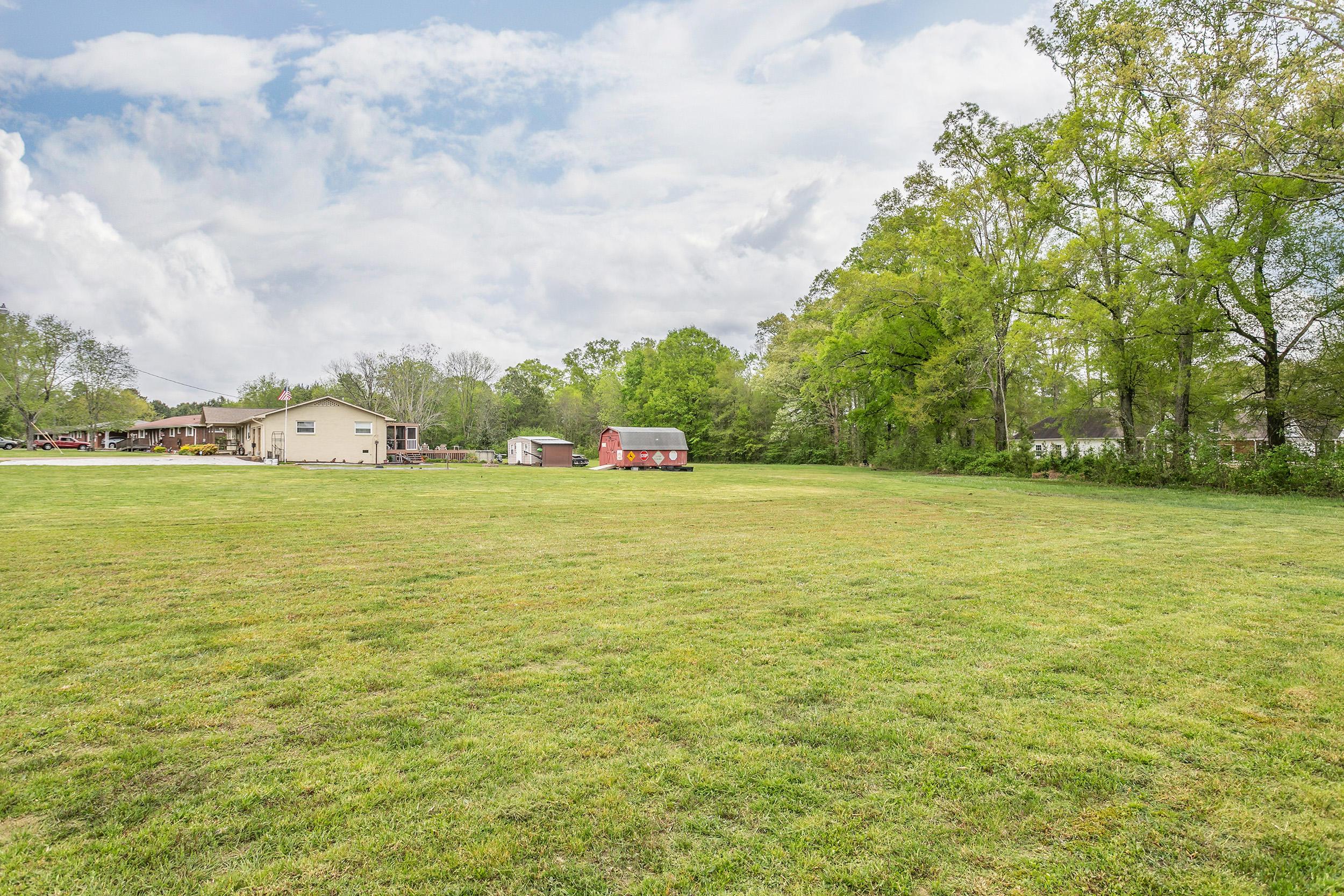 106 Coleman Ln, Chickamauga, GA 30707
