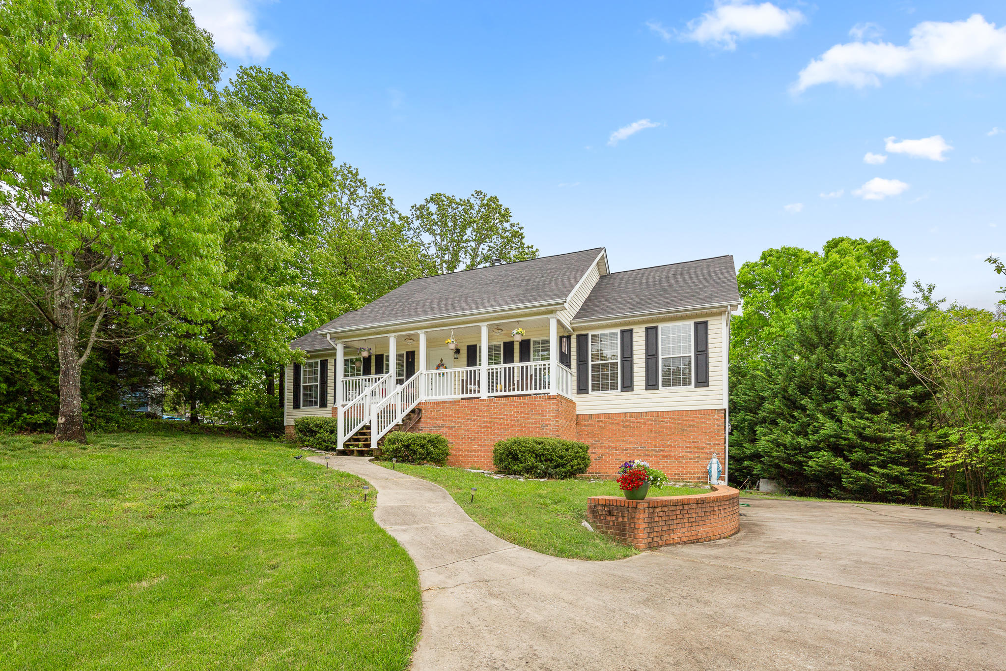 7924 Cove Ridge Dr, Hixson, TN 37343