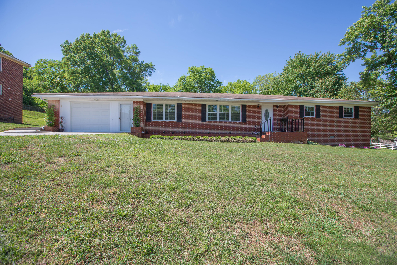 6800 Granda Dr, Chattanooga, TN 37421