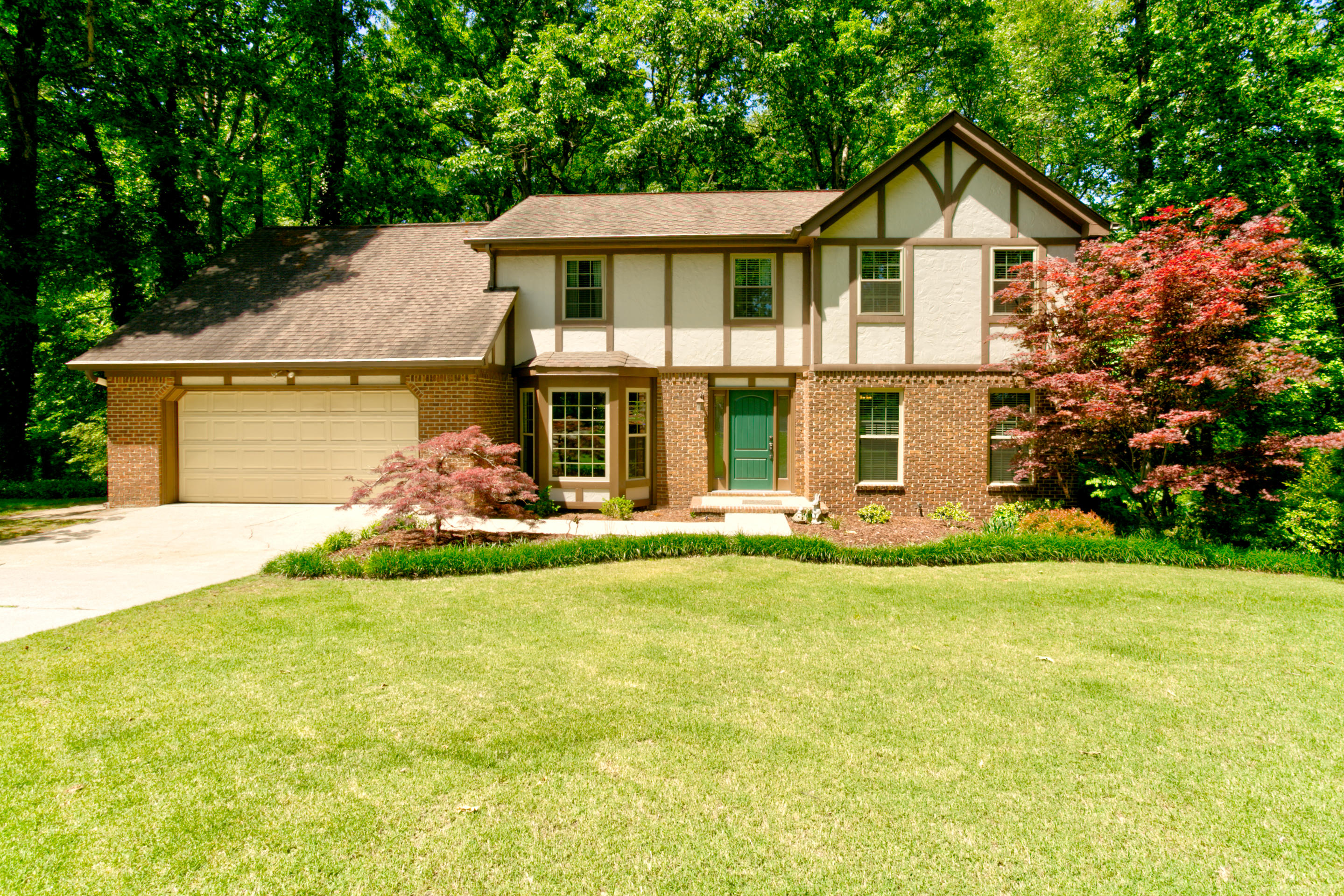 1932 Light Tower Cir, Hixson, TN 37343