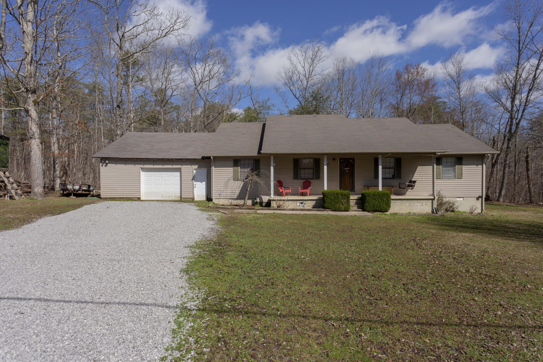 1100 Hugh Allison Rd, Pikeville, TN 37367
