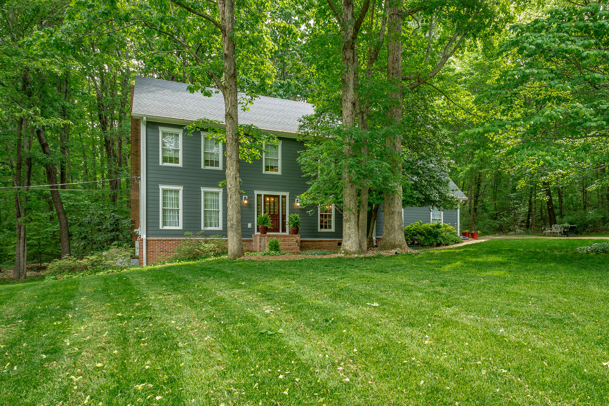 3008 Hobblebush Ln, Signal Mountain, TN 37377