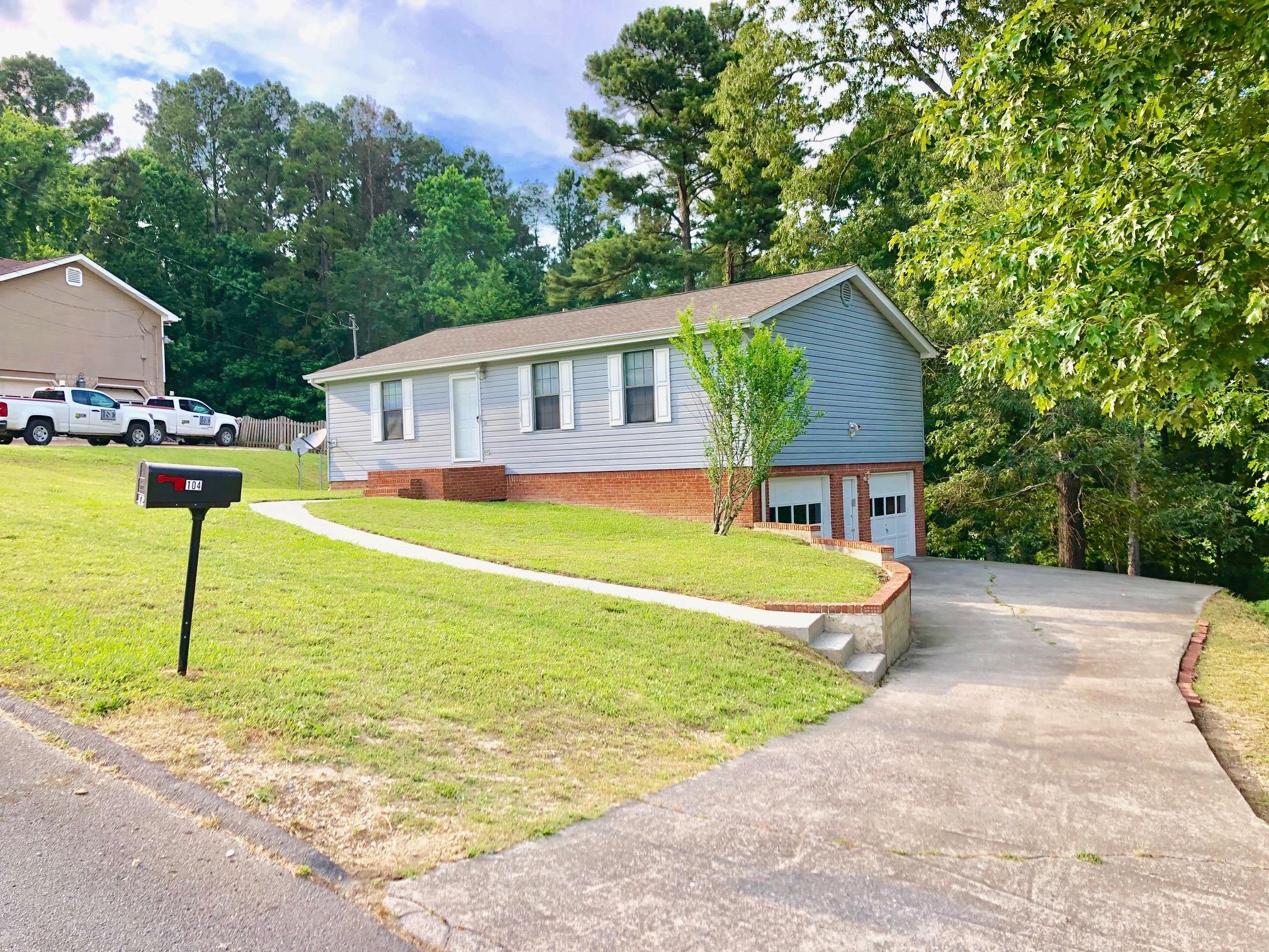 104 Ridgewood Dr, Chickamauga, GA 30707
