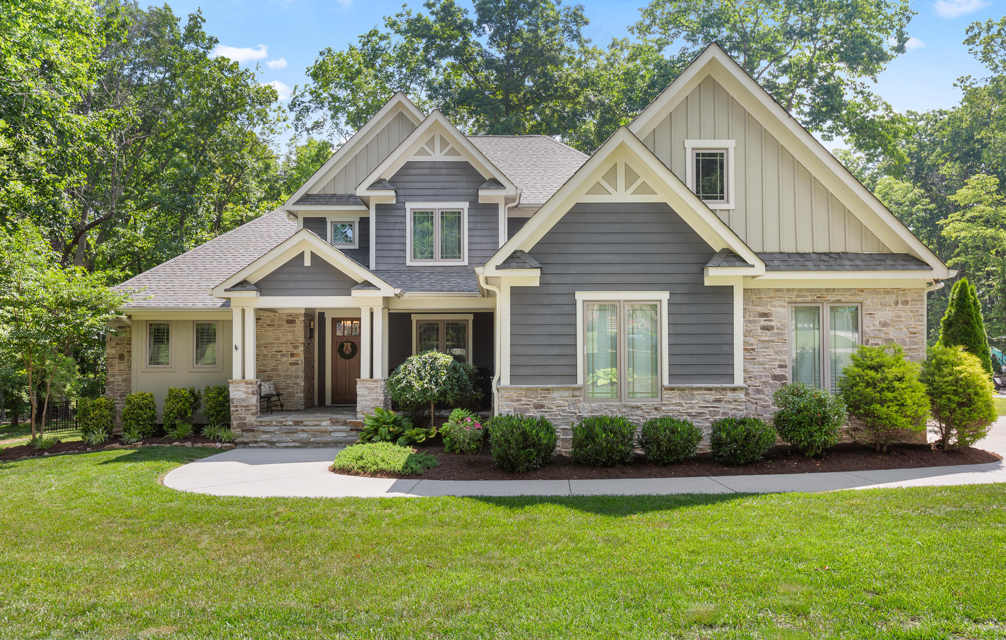 4820 Signal Forest Dr, Signal Mountain, TN 37377