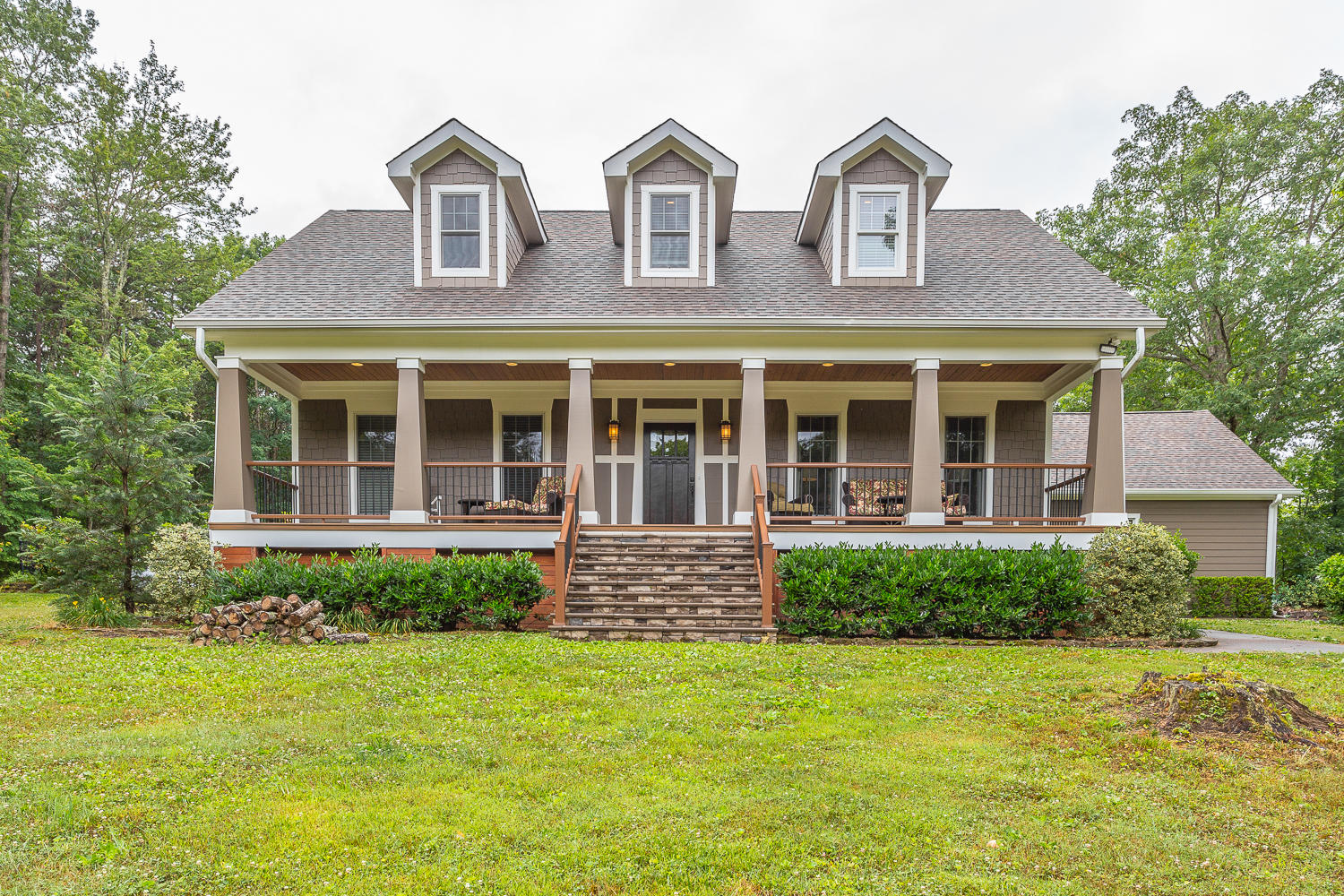 1610 Layton Ln, Signal Mountain, TN 37377
