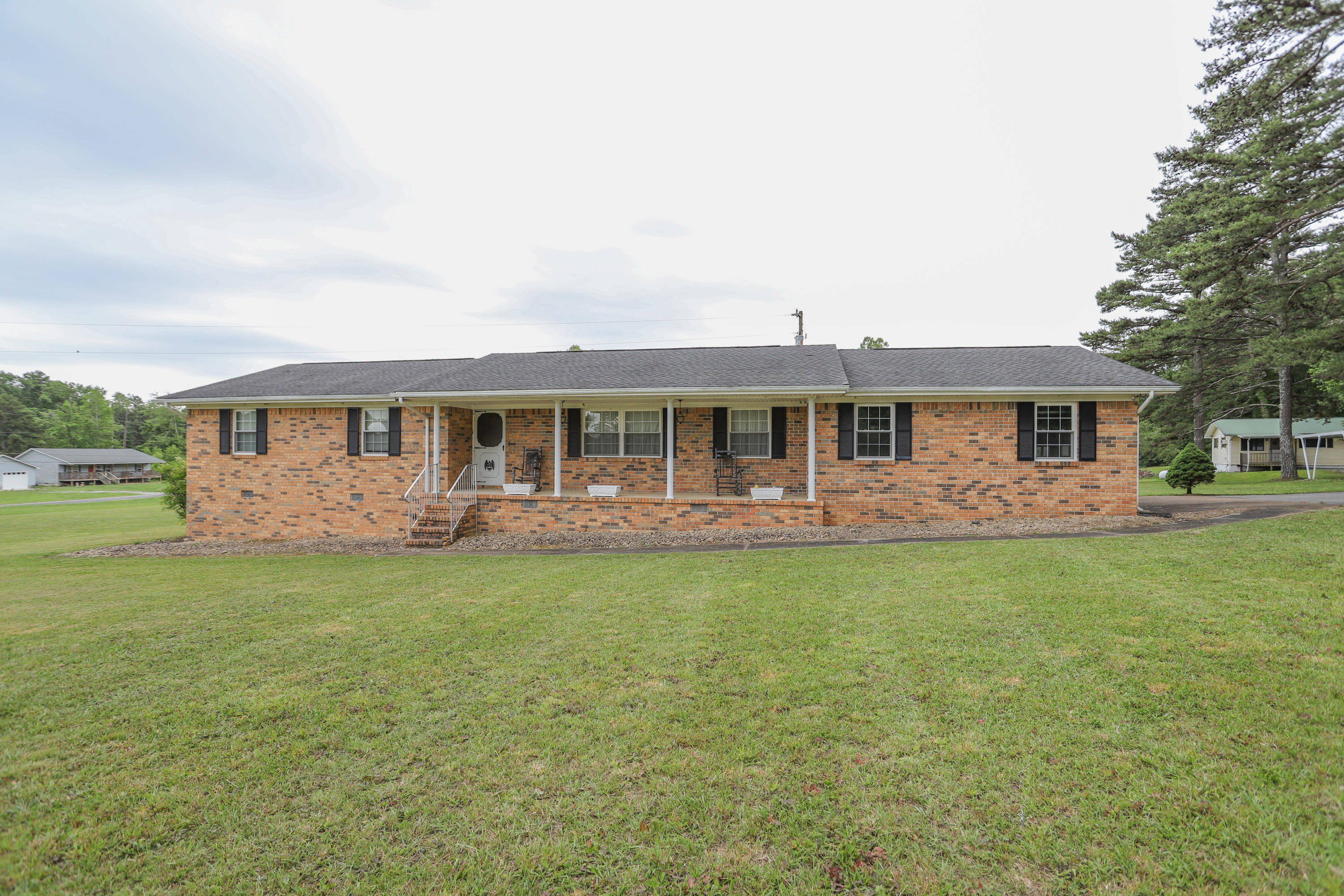 13505 Jones Gap Rd, Soddy Daisy, TN 37379